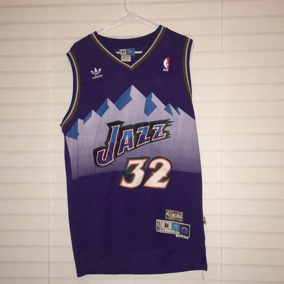 35401dc8 Utah Jazz Vintage Karl Malone Basketball Jersey. M_5ad7ed7472ea88954a99365b